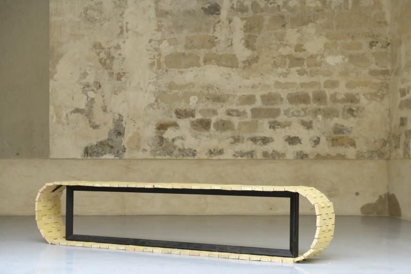 Chenille, 2014, sapin et acier (coproduction La Graineterie)