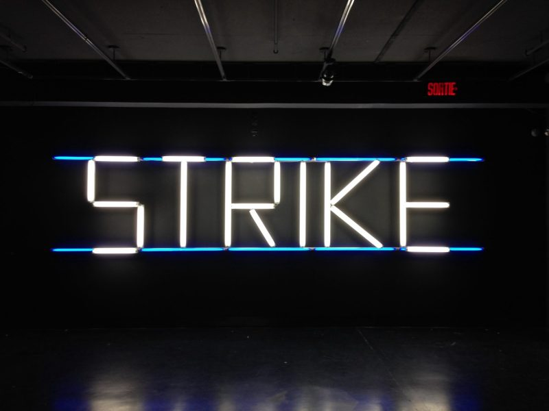 Claire Fontaine, STRIKE (K. font V.III) 2005/2007.