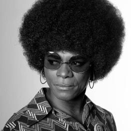 samuel-fosso_autoportrait_african-spirits_l_002993c2a9samuel-fosso2009-jean-marc-patras-galerie-2