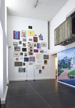 Mur manifeste - Nina Childress (c) Musée des Beaux-Arts de Dole, cl. Jean-Loup Mathieu